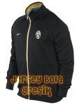 juventus-core-trainer-jacket-black
